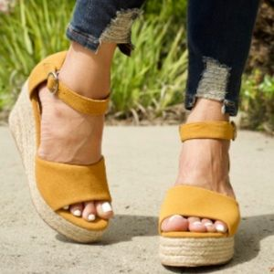 Shoes - New Avery Tan wedge